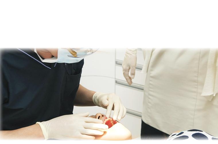 大阪の加藤歯科 治療